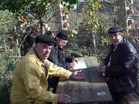 Вечерний преферанс на троих в селе Стрелковое